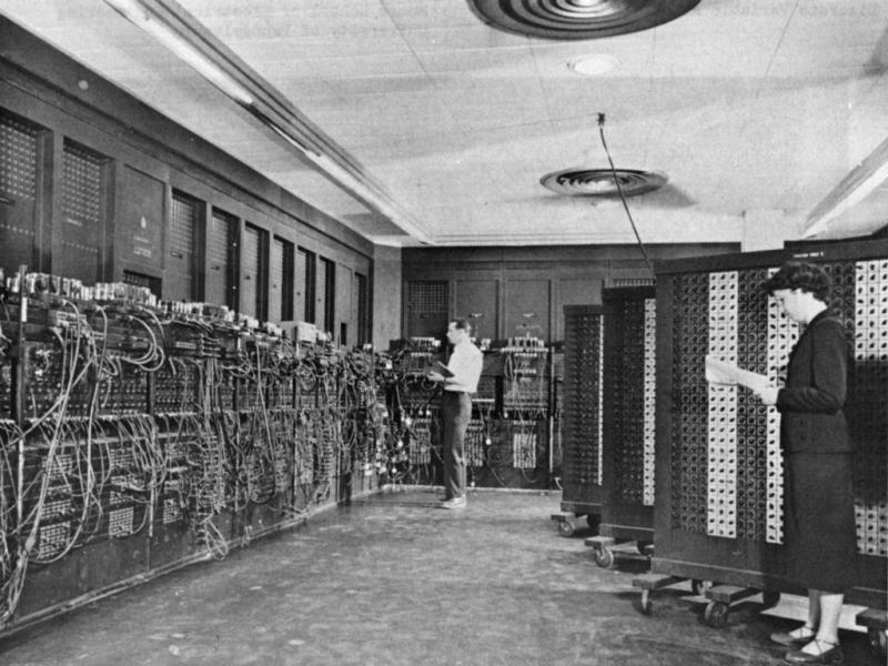 1946 ENIAC (Eletronic Numerical Integrator and