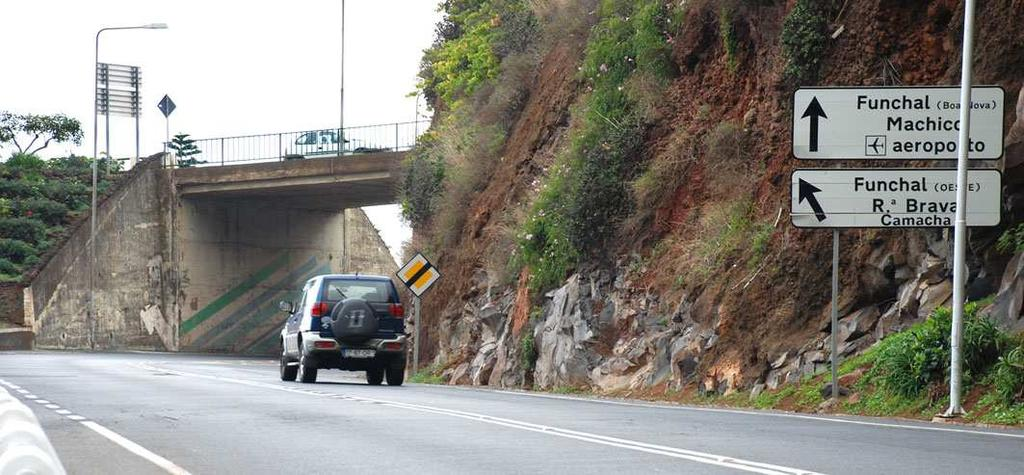 Picture #5: 600 m after Exit 13, immediately after passing under the