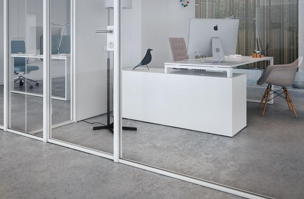 LINK, easy to install The LINK partition is a continuous single glazed system that uses 10 or 12 mm edge polished safety glass.