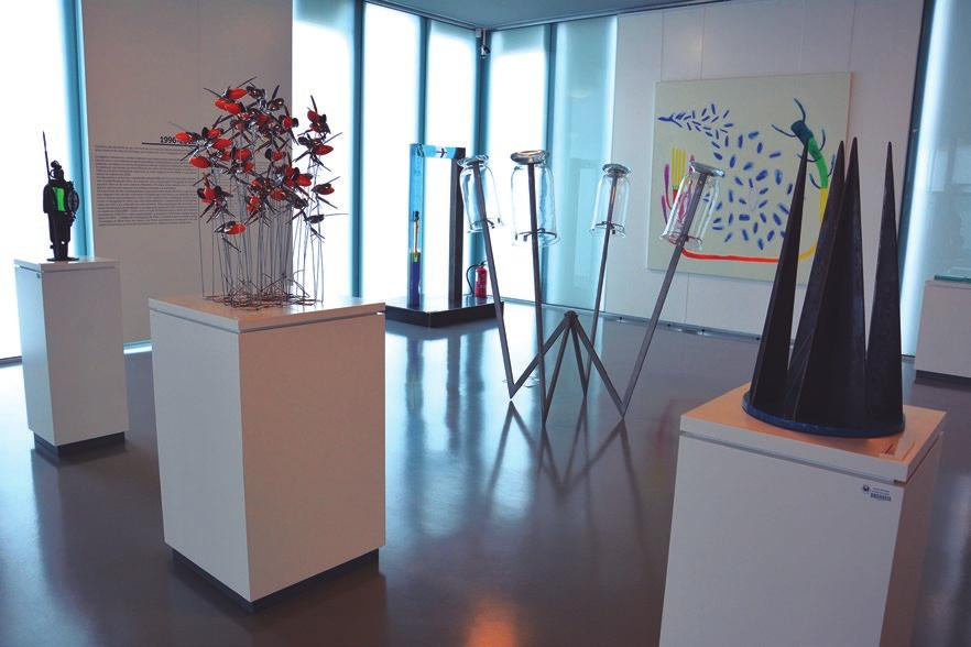The Contemporary Glass Art Center The Contemporary Glass Art Center is located in a modern building of three floors built in metal and glass, integrated in the former Resin