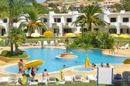 Construction year 2008 - Commun pools and facilities - Near to the beach Set on a large established resort with 4 communal swimming pools, restaurants and